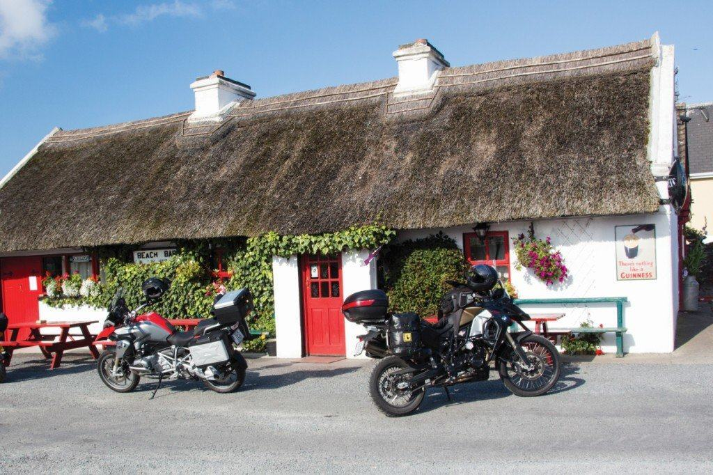 Thatched Irish traditional bar and guesthouse